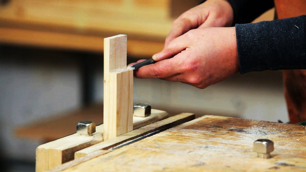 How To Cut A Notch In Wood Using Variety Of Tools Routers